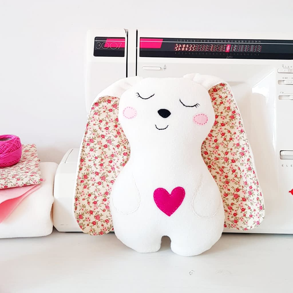 How to sew a vute bunny stuffed animal _ sewing pattern & tutorial for beginners