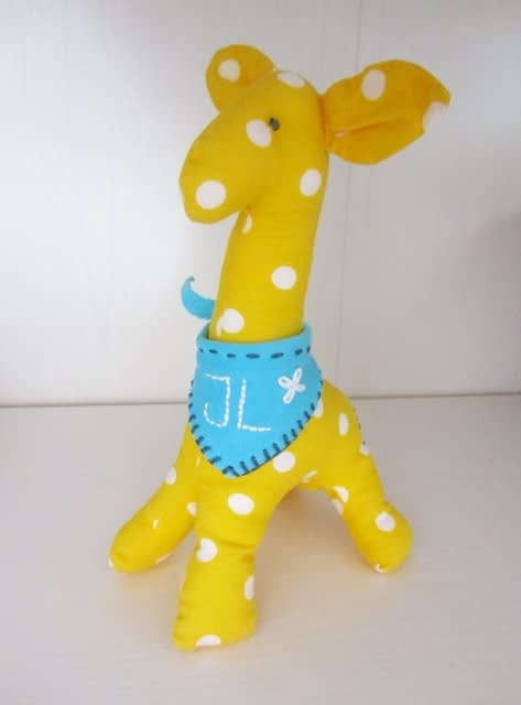 Free sew giraffe toy tutorial