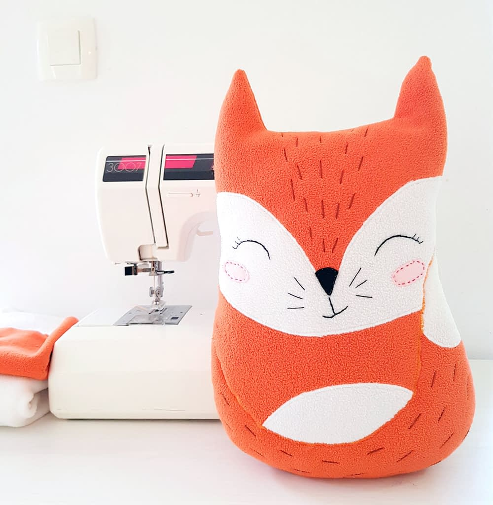 cute and easy sewing pattern for the fox stuffed toy 4