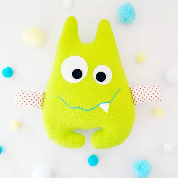 Easy and cute monster toy pattern and tutorial for beginners